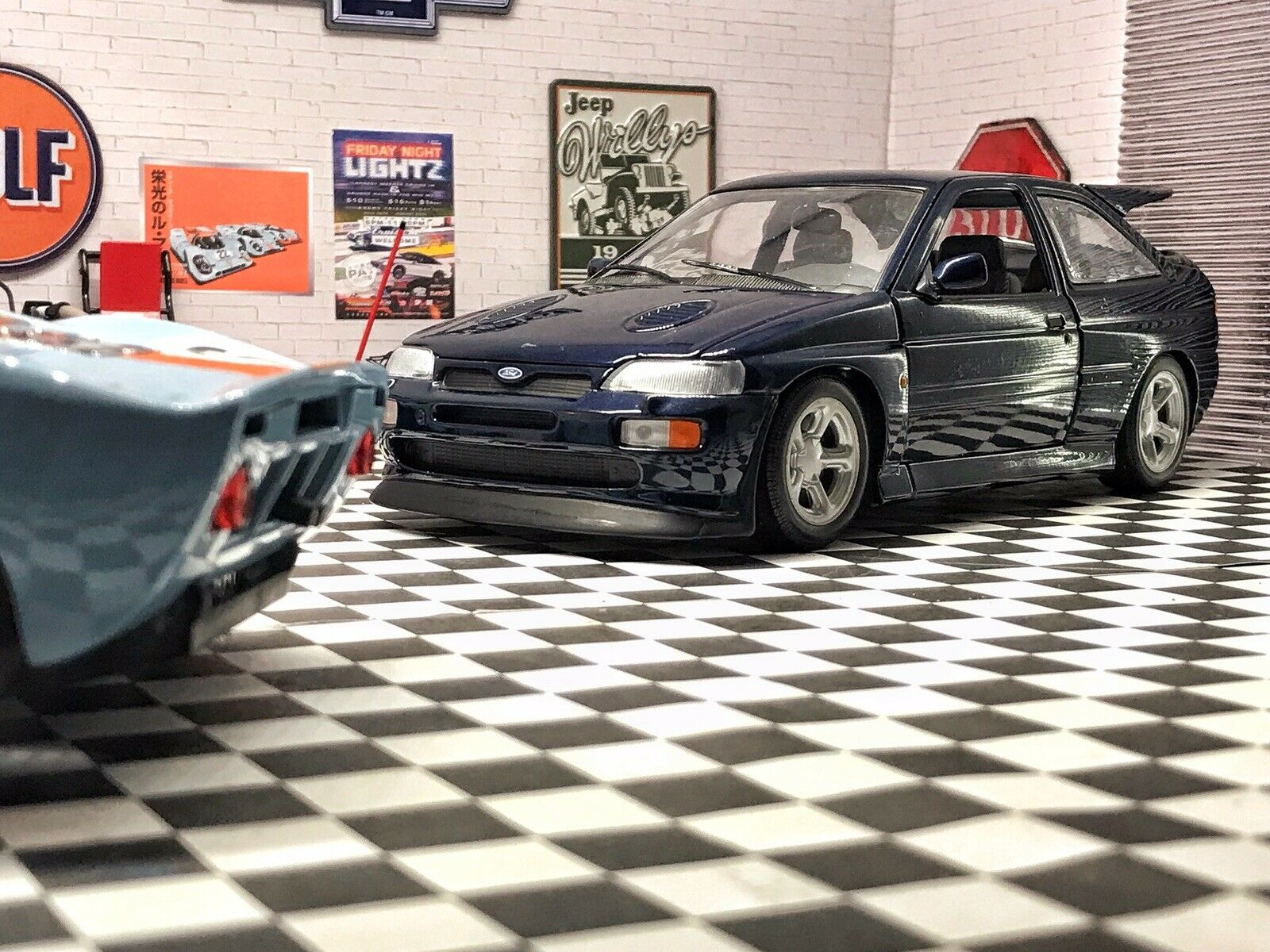 UT 1/18 Scale Diecast - 180 082101 Ford Escort RS Cosworth Metallic blue RAre Us