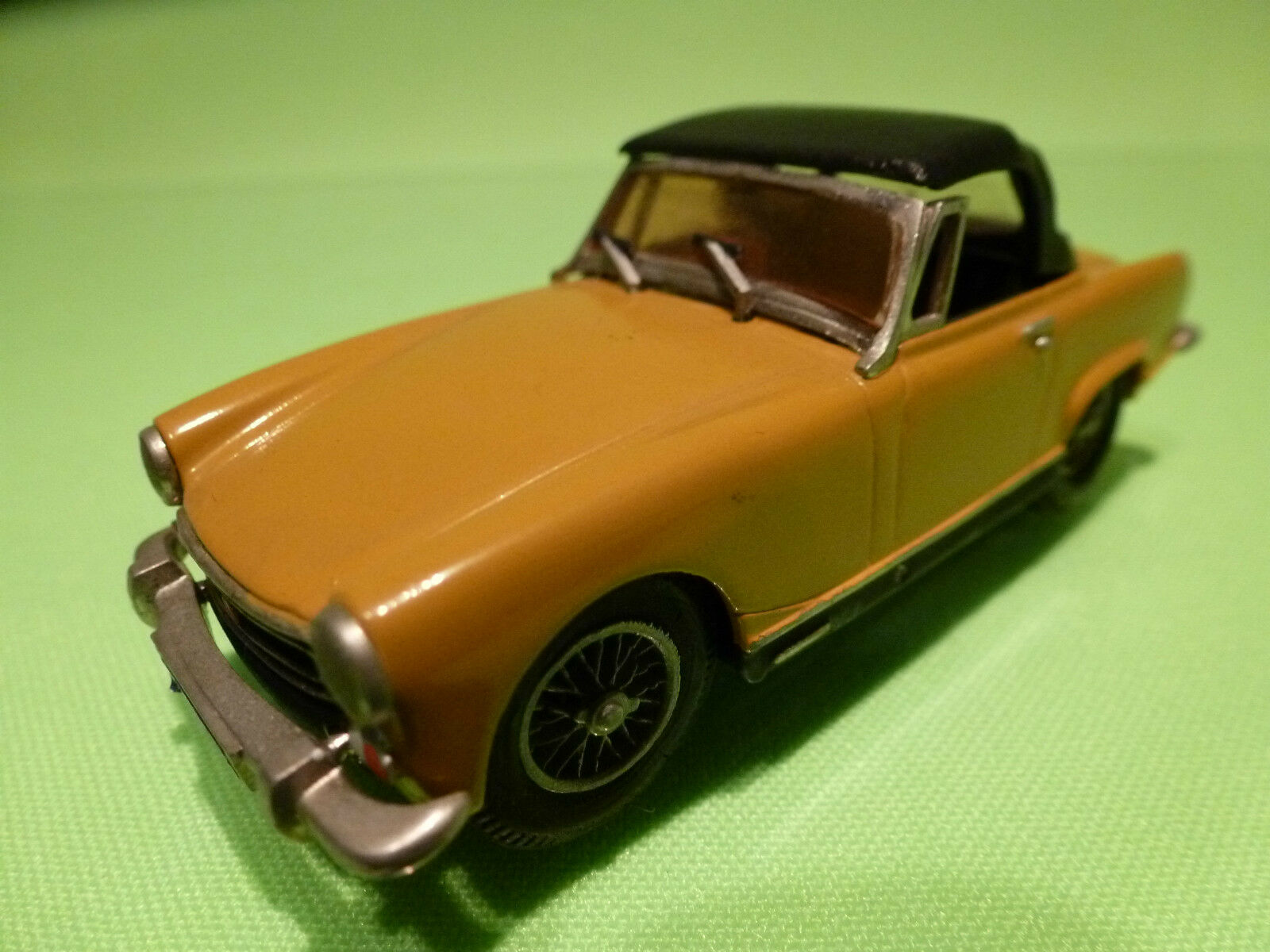 JEM METAL MINIATURES 1 43 MG MIDGET SOFTTOP  - RARE SELTEN  - GOOD CONDITION