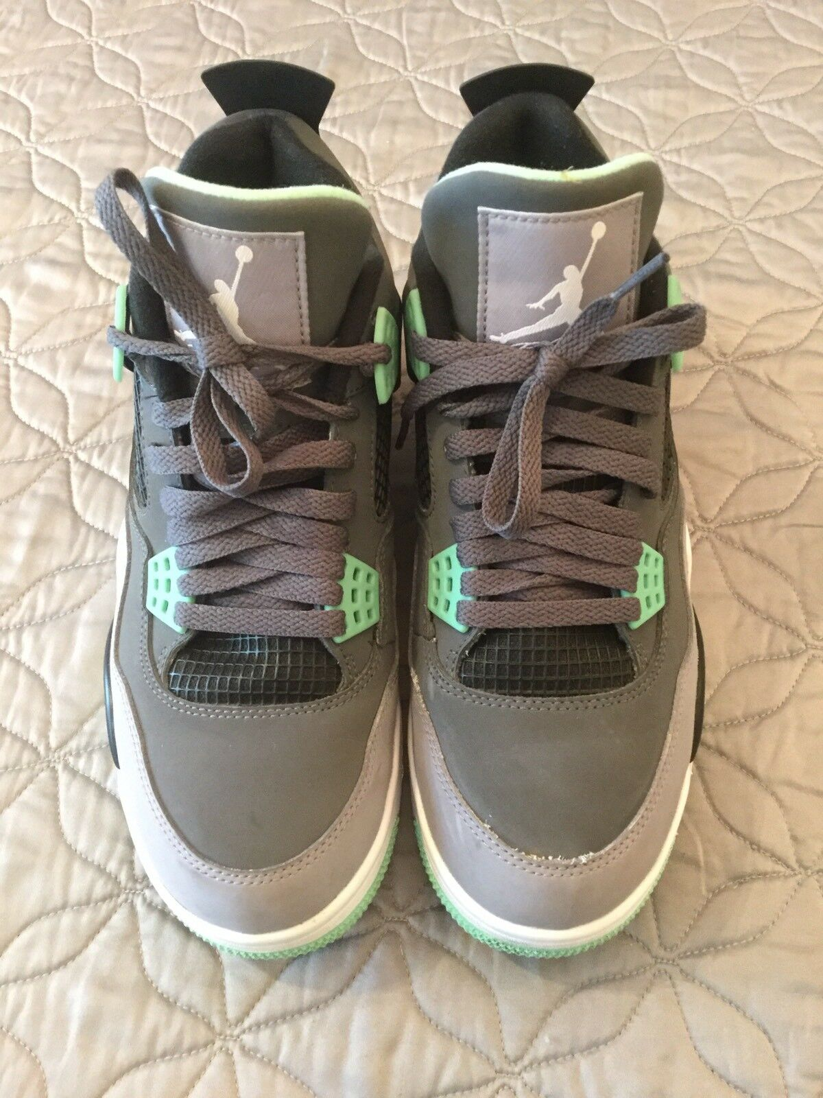 Air Jordan IV 4 Retro Green Glow US Size 8    9 10 Condition 308497-033