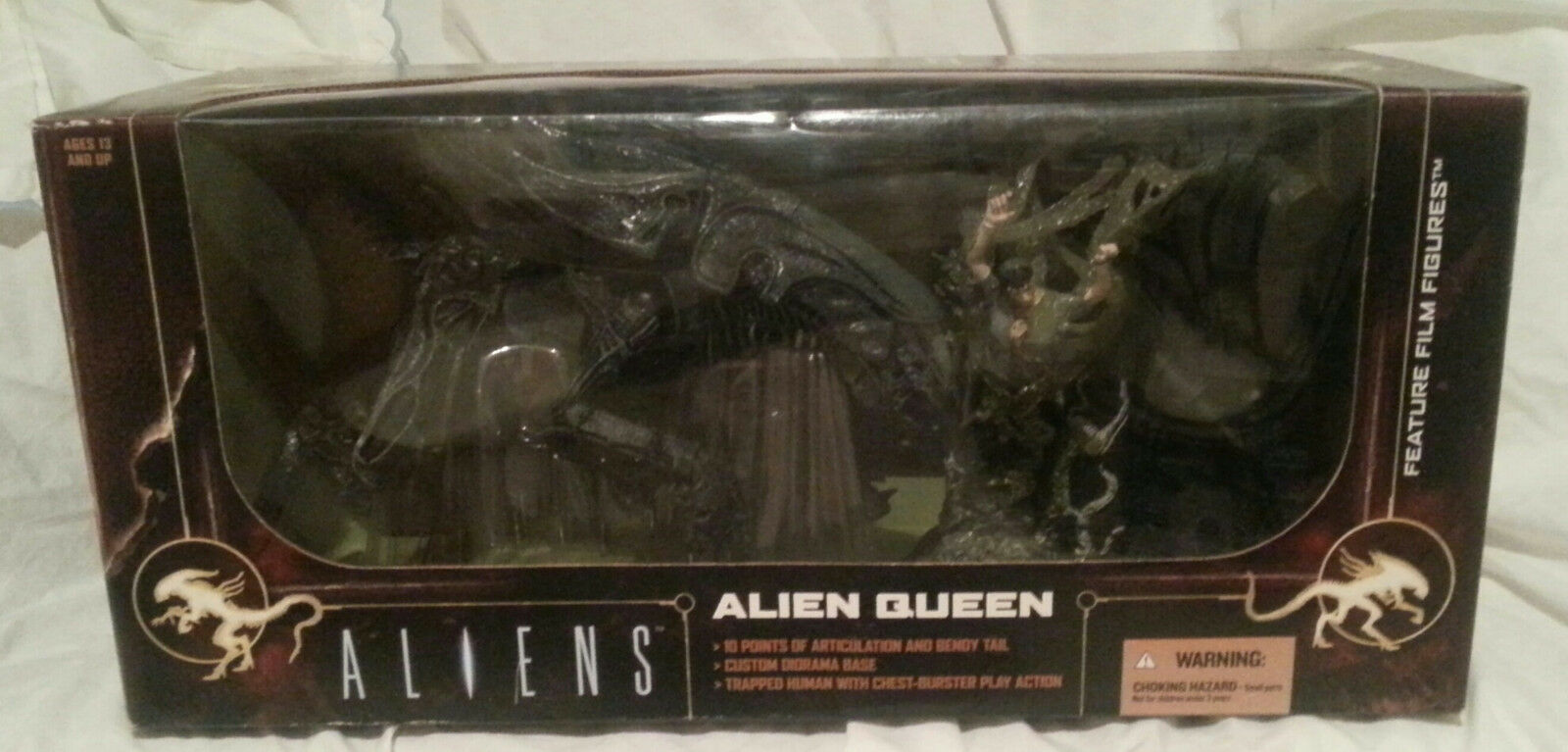 McFARLANE ALIEN QUEEN HIVE WITH CHESTBURSTER VICTIM BOX SET ALIENS...NEW IN BOX