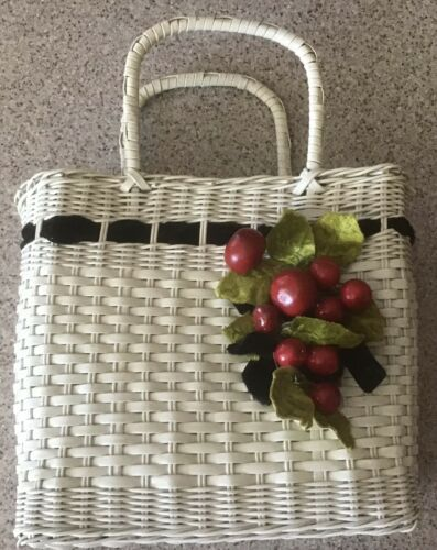 Vintage 50s 60s White Wicker Basket Purse w/ Cherr