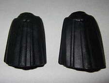 08101, 2x Umhang, Cape (mit Pinn), schwarz