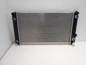 4.3l 262 V6 1996-2005 Chevy Blazer Radiator Champion Aluminum 3 Row Radiator