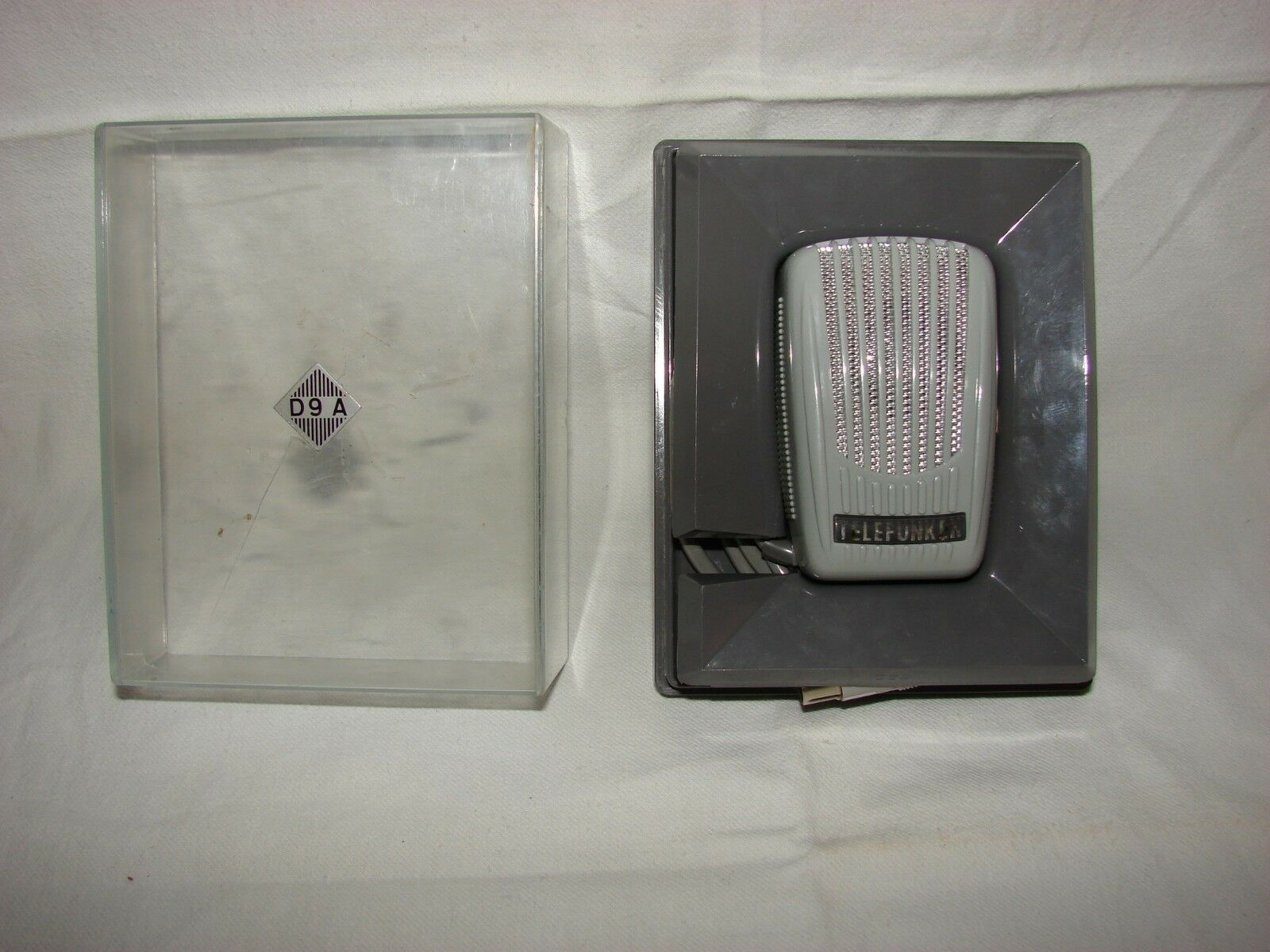 Telefunken D9 A Vintage retro Dynamic Microphone