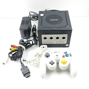 Nintendo-GameCube-Black-Console-W-Cables-And-1-Controller-DOL-001