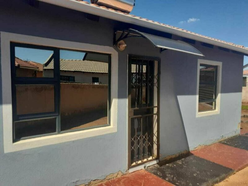 House for sale in Protea Glen & Ext