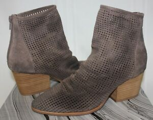 Jeffrey-Campbell-Jenelle-Boot-Perfed-taupe-suede-NEW
