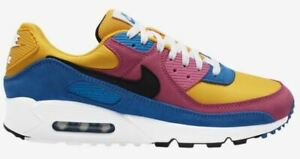 Nike-Air-Max-90-034-The-Simpsons-034-University-Gold-Black-Battle-Blue-White