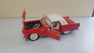 VINTAGE-Red-Thunderbird-Convertible-1990Red-Model-Car-1-18-Die-Cast-Rare