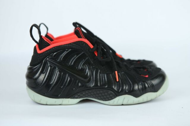 f1127445ac411 Nike Air Foamposite Pro PRM Sz 8 Black Crimson Solar Red Yeezy ...