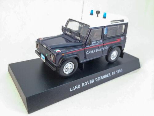 Land Rover Defender Militärpolizei Italien Carabinieri 1:43 auf Sockelfuß