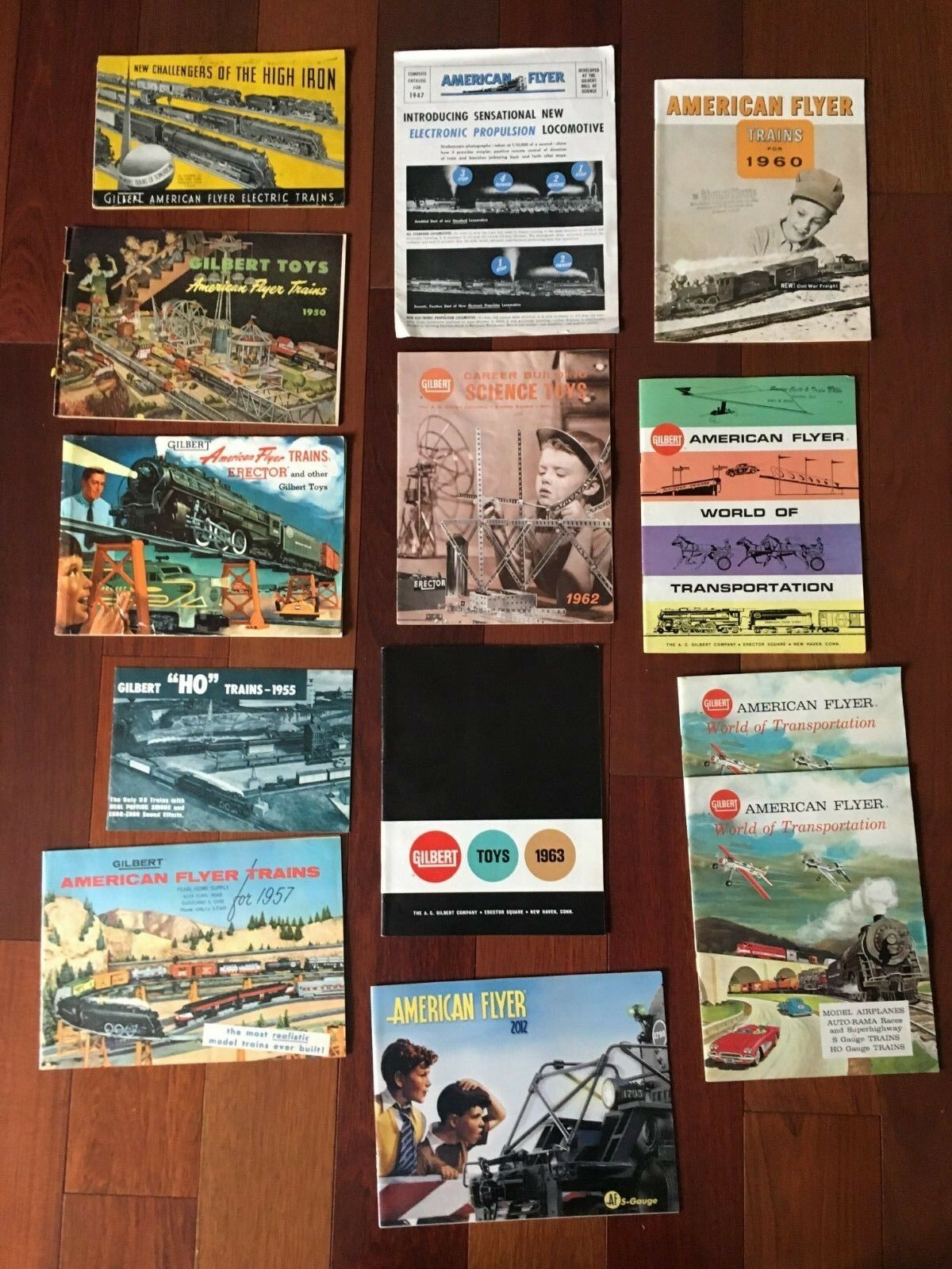 VINTAGE LOT OF GILERT AMERICAN FLYER TOY TRAIN CATALOGS