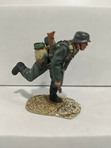 Conte-WWII-German-Soldier-Pewter-Figure-No-Box-F
