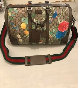 63c16ff64a31 Image is loading Gucci-Tian-GG-Supreme-Duffle-Bag-Excellent-Condition