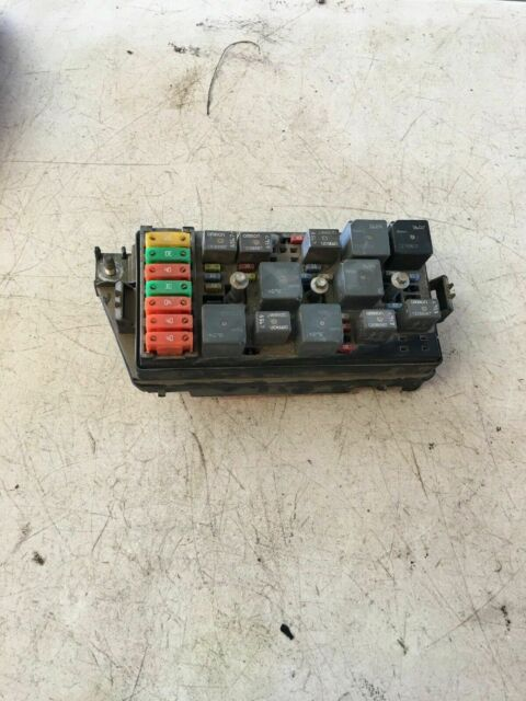 2005 Saturn Vue 3 5l Engine Fuse Box Oem