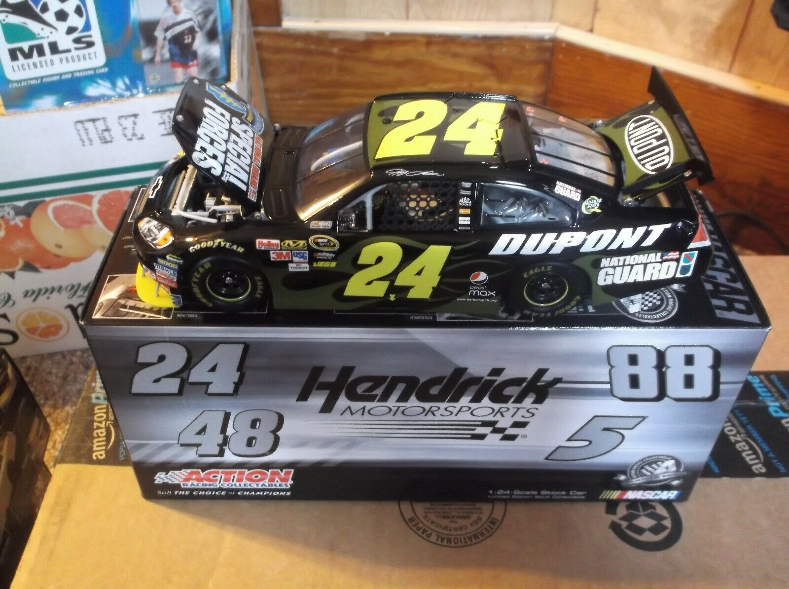VERY RARE JEFF GORDON 24 NATIONAL GAURD SPECIAL FORCES 1 24TH SCALE DIECAST