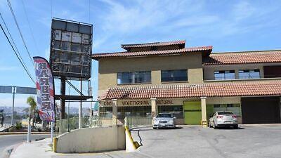 Se vende local de 143 m2 en col. Buena Vista PMR-610
