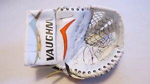 Used-John-Gibson-Anaheim-Ducks-Vaughn-V4-Pro-Stock-Goalie-Catcher-Signed-Game