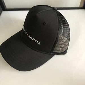 Tommy-Hilfiger-logo-Flag-Trucker-Hat-Snapback-Black-New-authentic