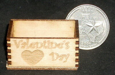 XOXOX Crate Hugs /& Kisses Valentine/'s Day 1:12 Miniature Candy Store Holiday
