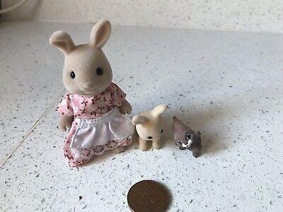 3 Sylvanian Families Coniglio Statuine Bambole-mostra Il Titolo Originale
