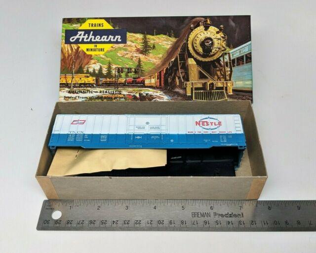 Athearn - HO Scale Kit - 50' Plug Door Box Car - Nestle 42628 - #5284 - NIB