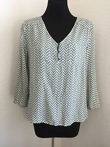 41-HAWTHORN-Stitch-Fix-Green-Cream-Herringbone-Print-Blouse-Tab-Sleeve-Size-S