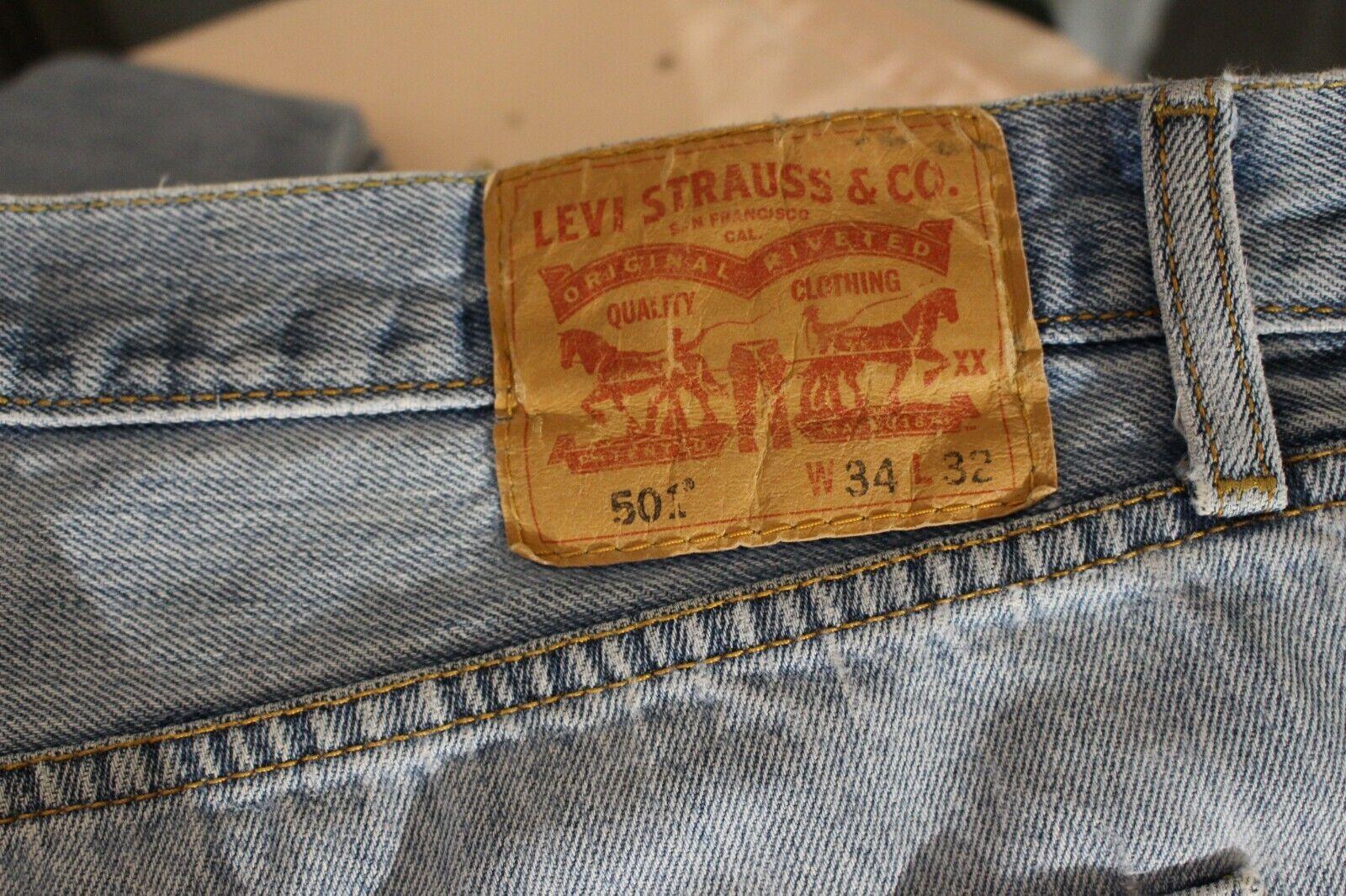 VINTAGE LEVis 501 Distressed Jeans - image 3