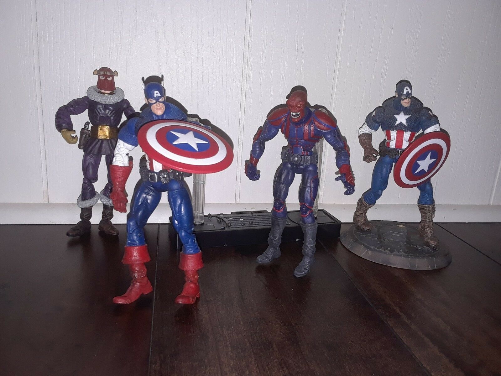Captain america marvel - legenden los das gesicht weg, rot skull, baron zemo & ultimative