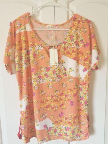 Emi /& Joe Women/'s Knit Top NWT Peach Multicolored Floral Cap Sleeves Stretch