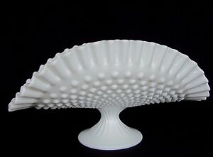 FENTON-HOBNAIL-WHITE-MILK-GLASS-FOOTED-BANANA-FRUIT-BOWL-STAND-12-1-2-034-LARGE