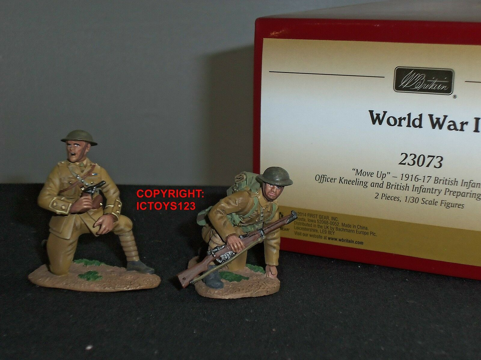 BRITAINS 23073 WORLD WAR ONE MOVE UP BRITISH INFANTRY + OFFICER TOY SOLDIER SET