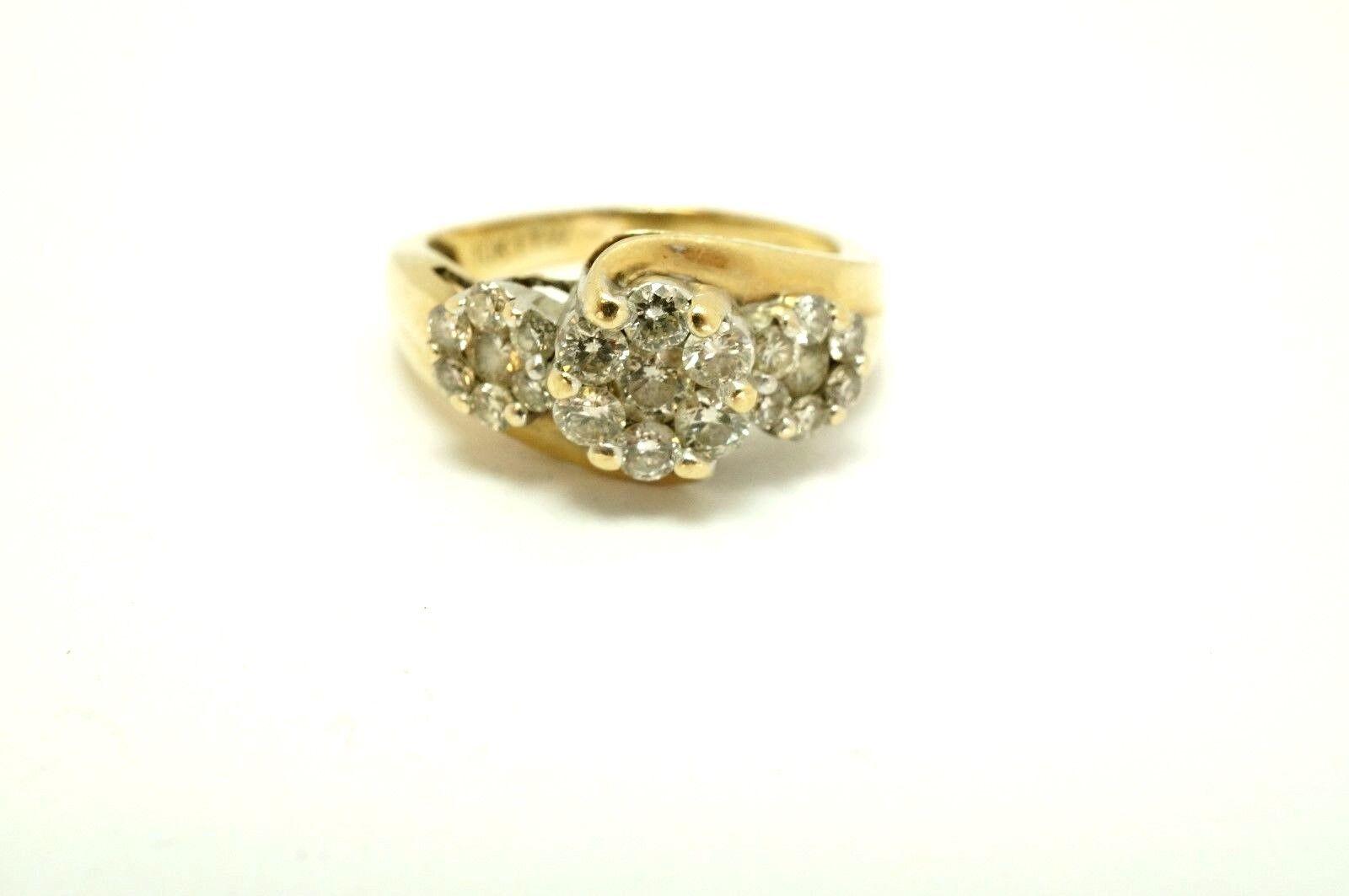 10k Yellow gold 1 Carat tw Natural Diamond Three Stone Cluster Ring Size 7