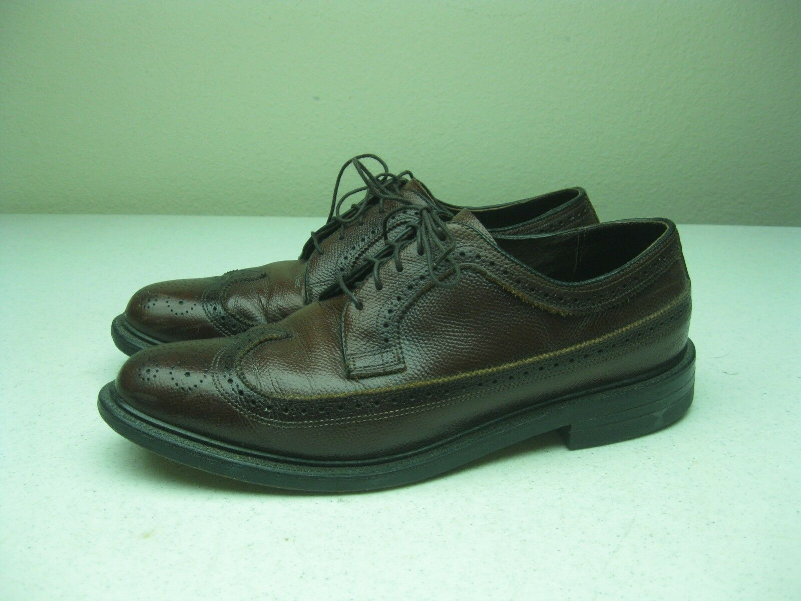 VINTAGE BROWN DISTRESSED MADE IN  A WING TIP OXFORD LACE UP LEATHER SHOES 9 D
