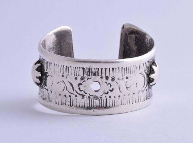 Vintage berber Bedouin ethnic tribal Egyptian silver bracelet Cuff