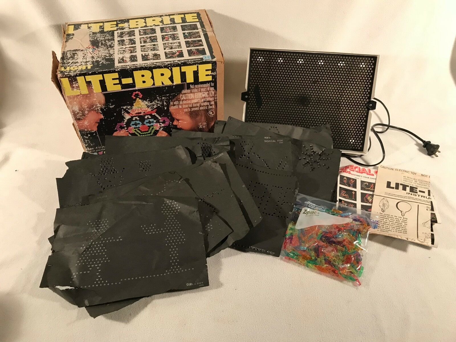 Vintage Lite-Brite 1981 Hasbro In Original Box with Pegs Pegs Pegs & Sheets f8213f
