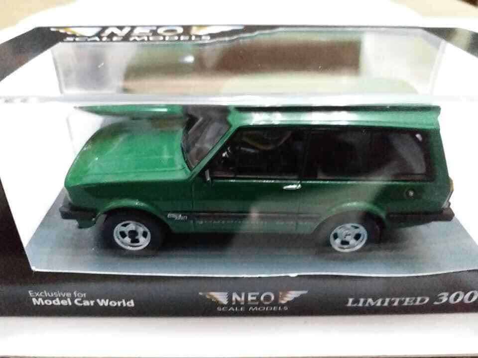 1 43 NEO Model Monteverdi Safari 4x4 Vert 1967