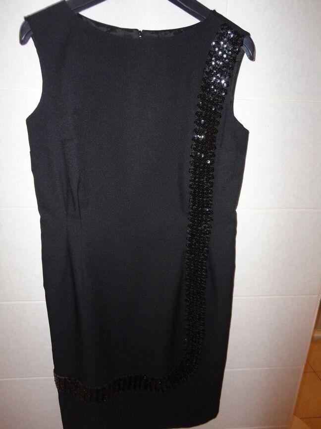 Haute couture, edles, schwarzes Damen Modell Abendkleid mit Paietten