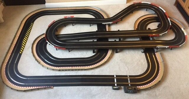 Scalextric Sport Layout with Lap Counter   Twin Bridge   Large Flyovers & 2 Cars