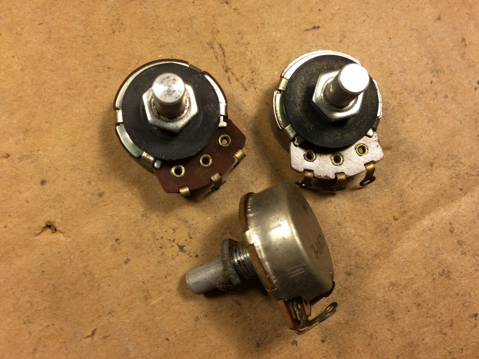 Three NOS Vintage 10k ohm Guitar Potentiometers 1959 Linear Taper TESTED pots