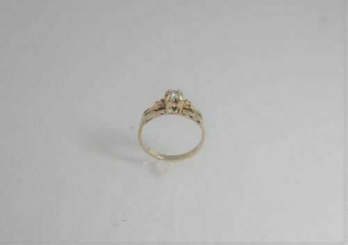 (4196) 10K WHITE gold MULTISTONE RING