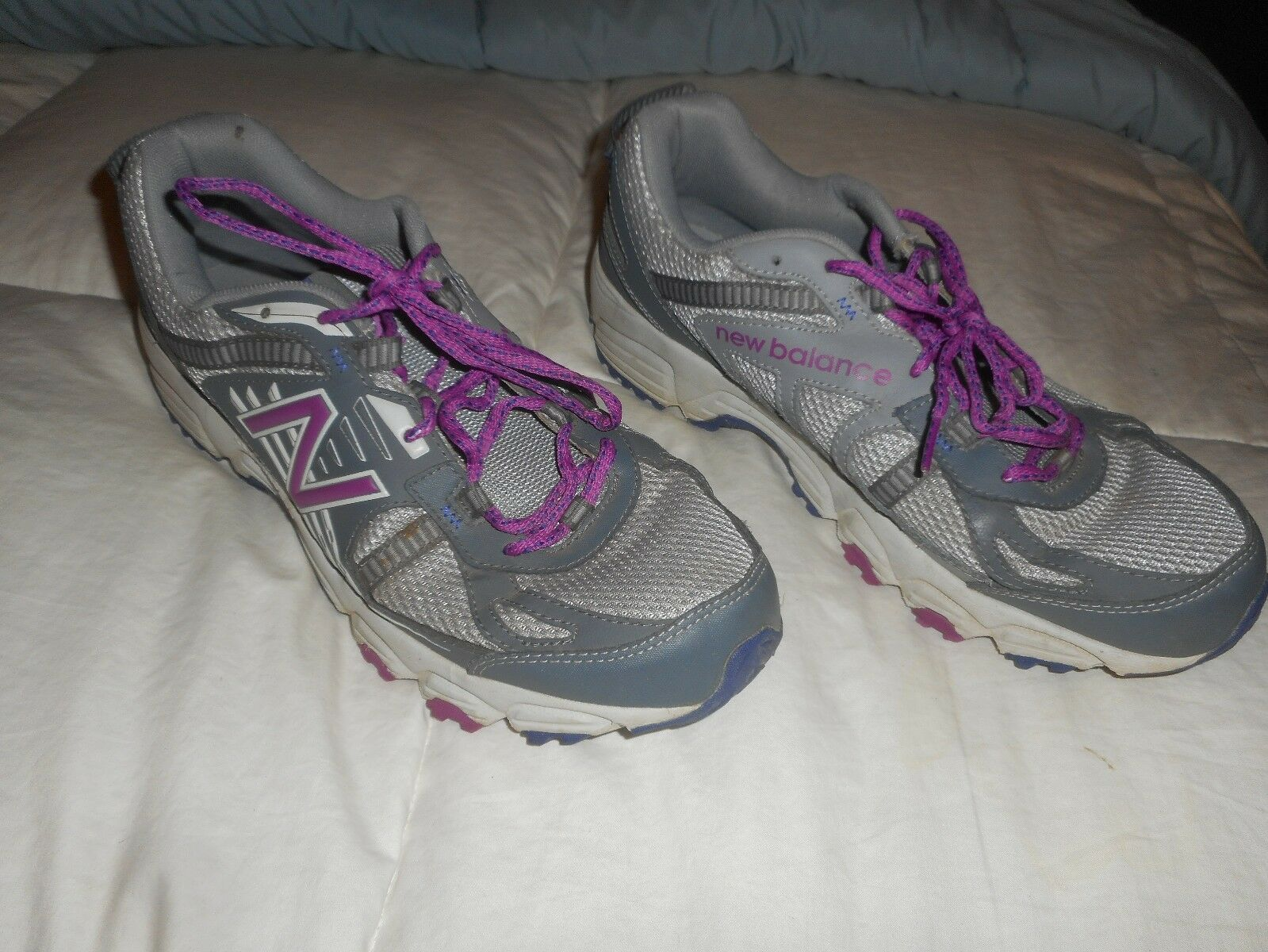 Ladies New Balance Trail Runner 410  ID  WT410GP4  Size 11  Used