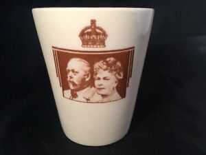Rare-Royal-Doulton-Silver-Jubilee-1910-1935-King-George-V-Queen-Mary-Beaker