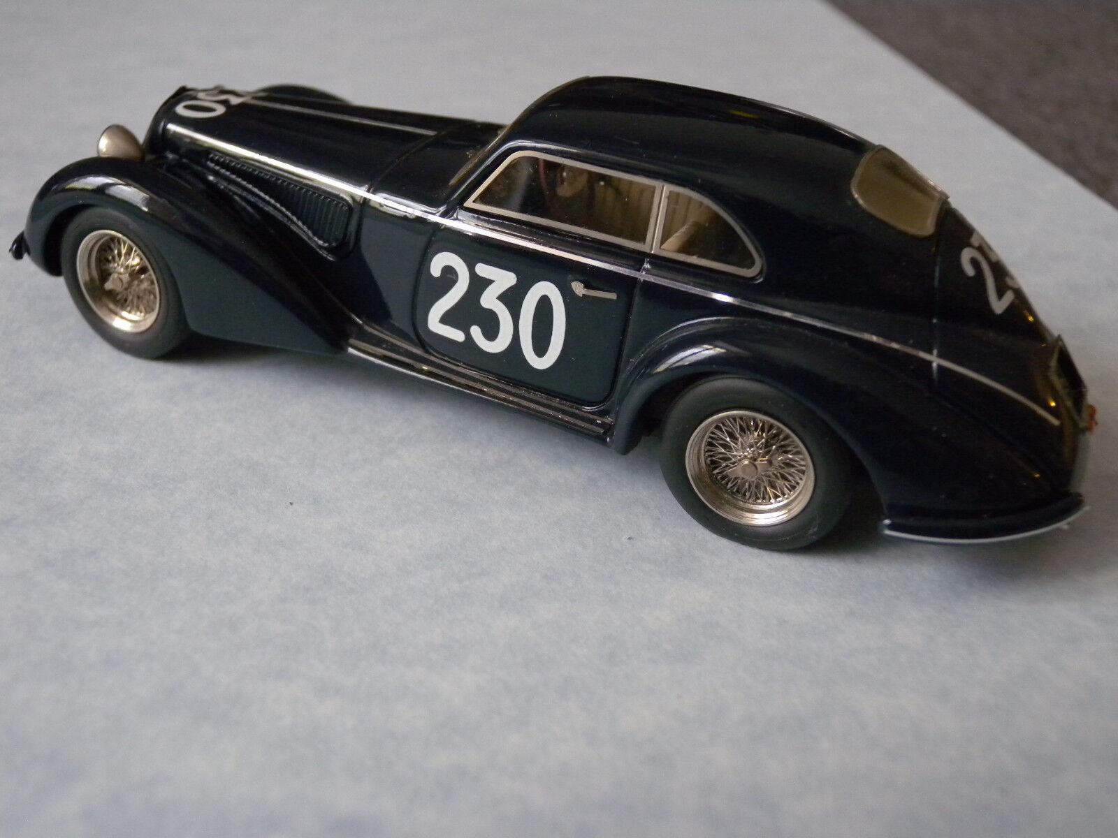 Alfa Romeo 2900B 1947 Berlinetta Touring Long M.M. bleu 1 43 Styling Model BBR