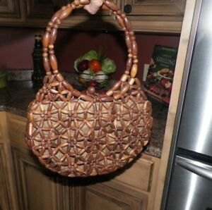 Vintage-RETRO-Hand-Crafted-Wooden-Bead-Hobo-Handbag-MADE-IN-KOREA