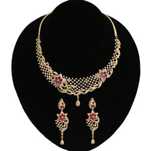 f89a9020a20 Image is loading 22K-GOLD-CHOKER-NECKLACE-AND-DROP-EARRINGS-SET-