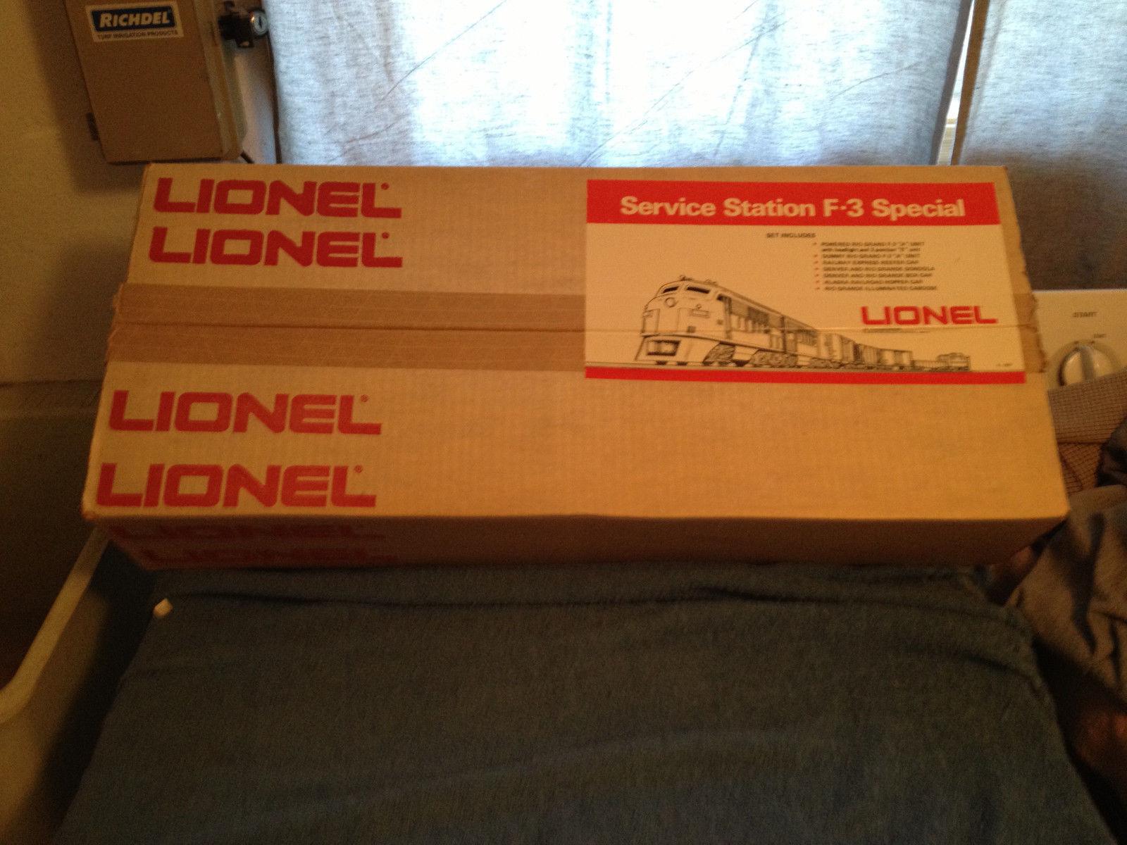 1974 lionel 1450 Service Station F-3 Special Set/ MINT Unran sealed