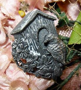 Birds-amp-Blooms-Limited-Edition-1997-Pewter-Bird-Birdhouse-Flowers-3D-Pin-Brooch