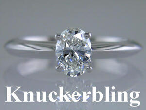 Diamond-Solitaire-Ring-0-70ct-Certified-H-VS2-VG-Oval-Shape-18ct-White-Gold