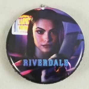 New-Riverdale-1-25-034-Veronica-Lodge-Pinback-Pin-Back-Button-Characters